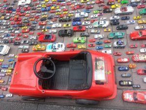 רכב גדול ורכבים קטנים