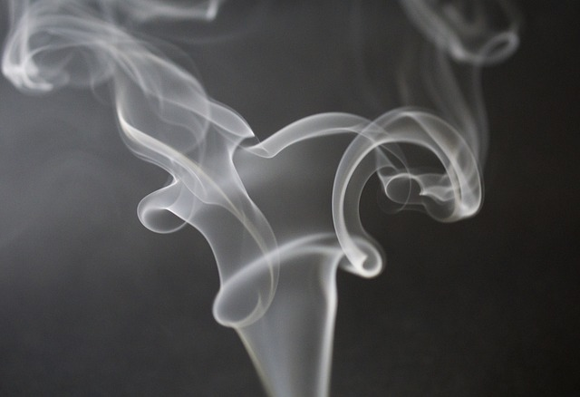 לעשן ברכב
